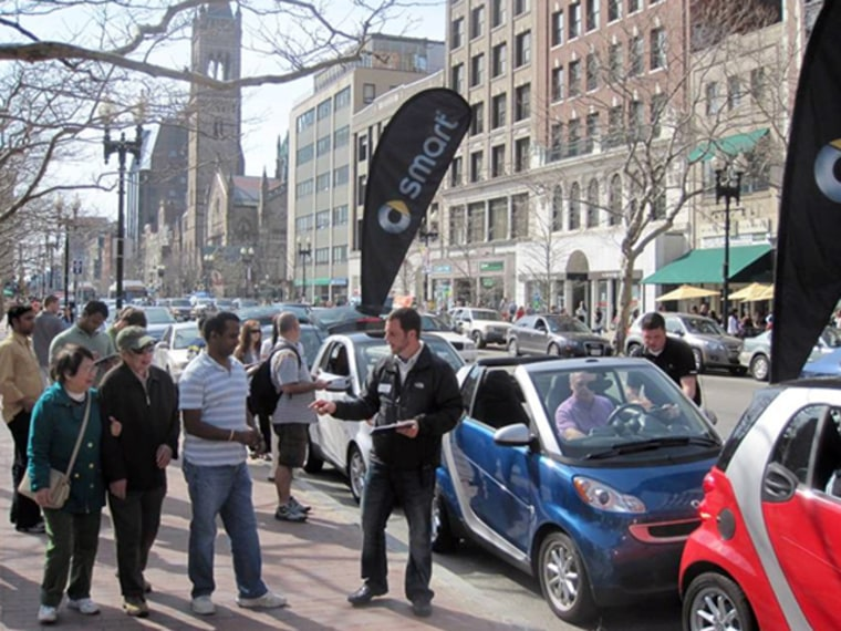 With sales stalling, Smart is reviving efforts to get its tiny fortwo cars in front of resistant American drivers.