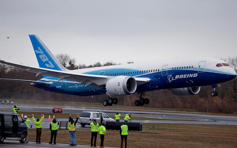 Image: Boeing 787 Dreamliner Takes First Test Flight