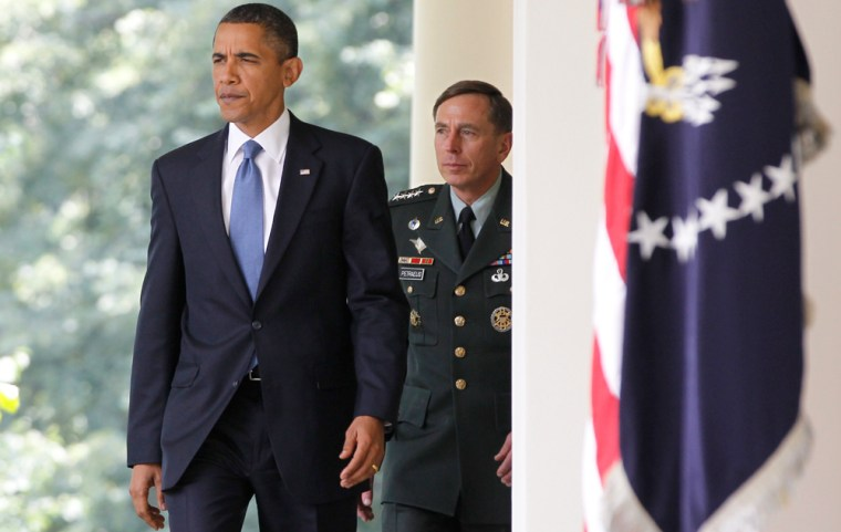 Image: Barack Obama, David Petraeus