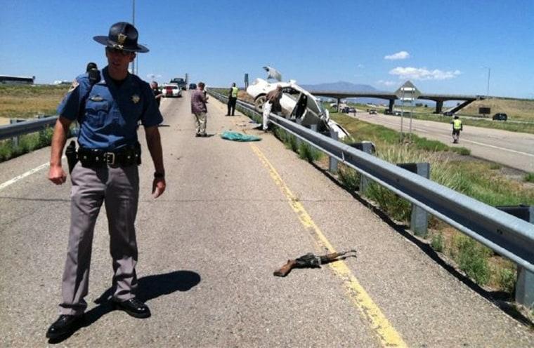 Image: Police officer at crime scene