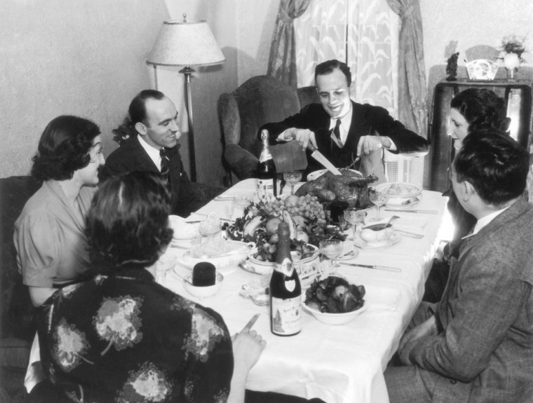 Image: Family gathering for Thanksgiving
