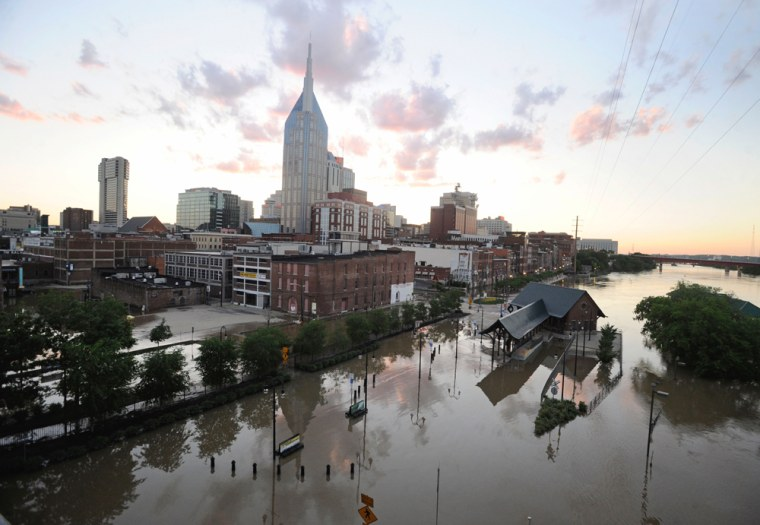 Image:Buildings and city streets are under floodwater as the sun sets on May 4, 2010 in Nashville, Tennessee.