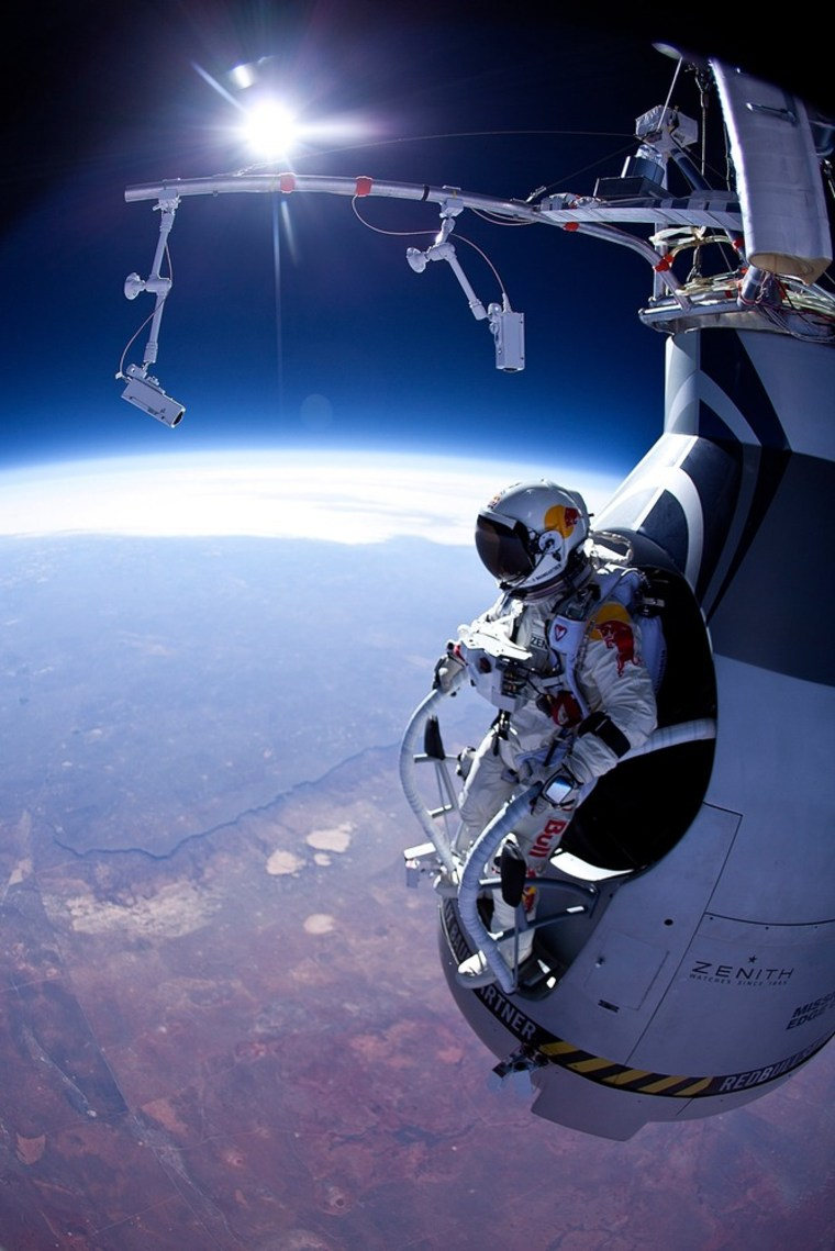 Image: BESTPIX - Red Bull Stratos Project