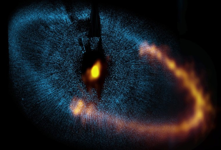 Image: ALMA observes a ring around the bright star Fomalhaut