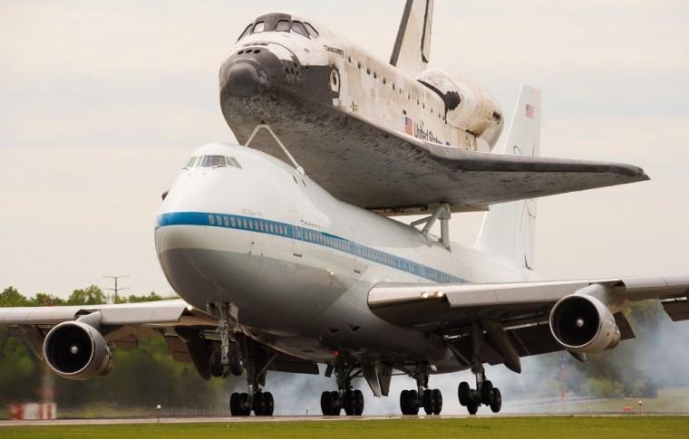 Image: Shuttle landing