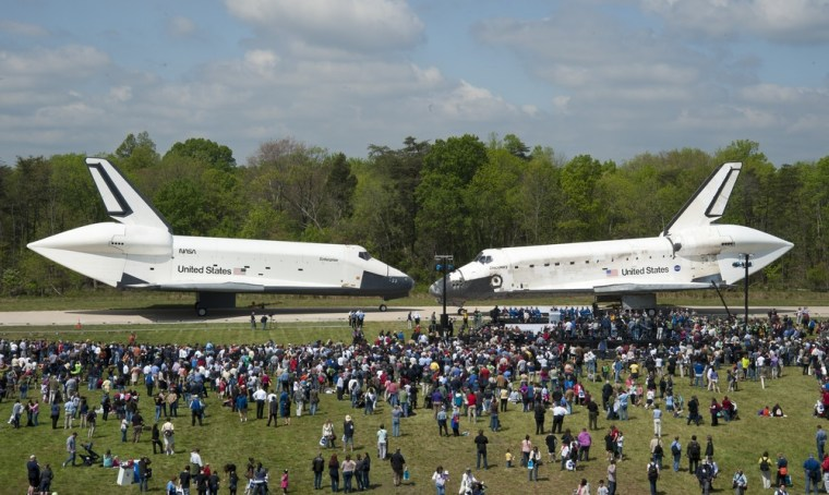 Image: Space Shuttle Discovery Arrives To Replace Enterprise At Smithsonian