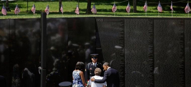 Image: Secretary Of Defense Leon Panetta Hosts Ceremony At Vietnam Veterans Memorial