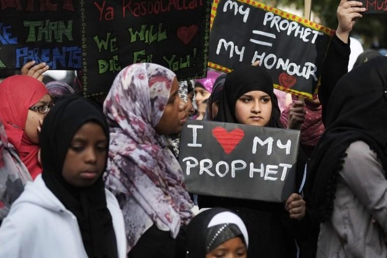Image: BRITAIN-ISLAM-UNREST-FILM-US-PROTEST