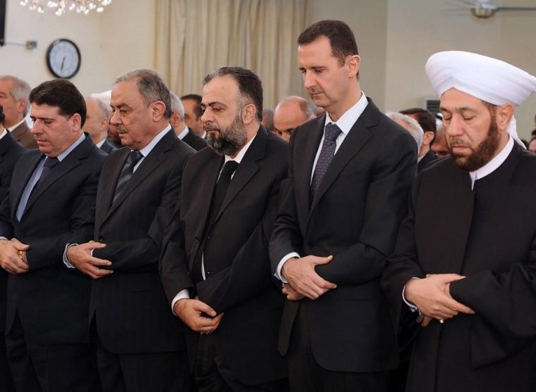 Image: Syrian President Bashar al-Assad  performed Eid al-Adha Prayers
