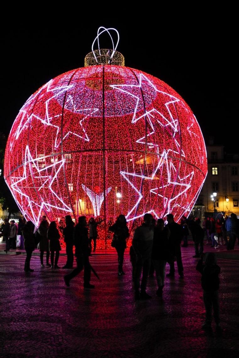 Image: Christmas lights in Lisbon