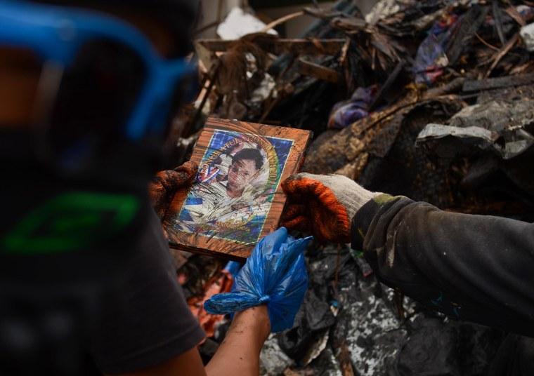 Image: Humanitarian Efforts Continue Following Devastating Super Typhoon