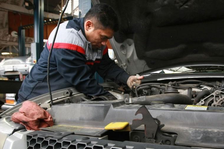 Image: Major Automakers See U.S. Sales Plunge In December