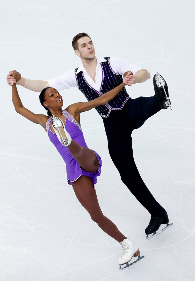 Image: Figure Skating - Winter Olympics Day -1