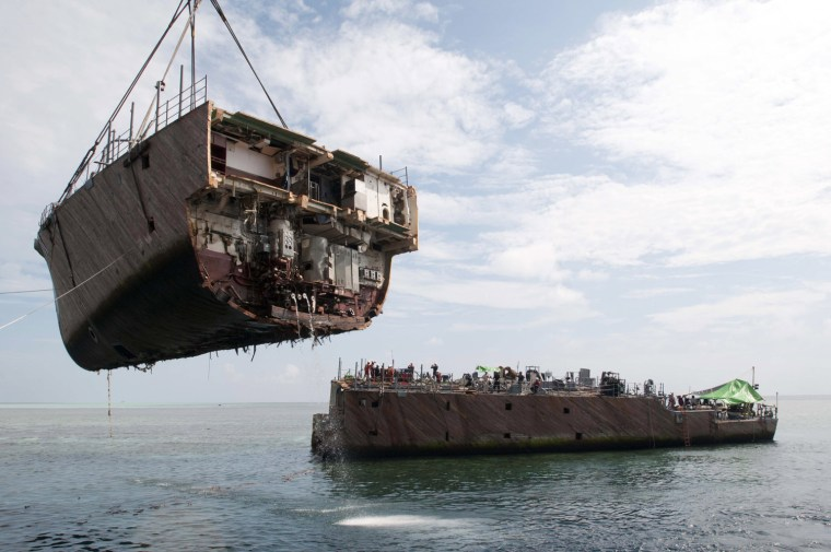 Image: U.S. Navy Dismantle Grounded Ship At Tubbataha Reef