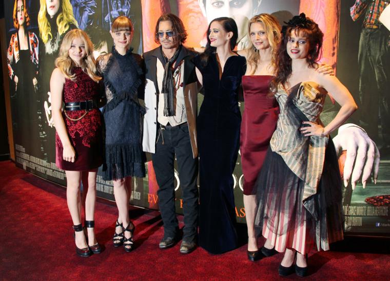 Image: Chloe Moretz, Johnny Depp, Michelle Pfeiffer, Helena Bonham Carter, Bella Heathcote, Eva Green