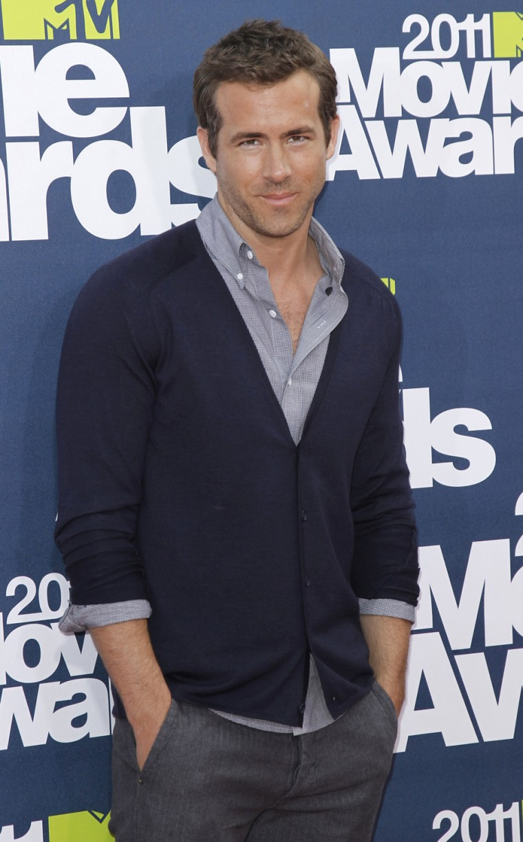 Image: Actor Ryan Reynolds arrives at the 2011 MTV Movie Awards in Los Angeles