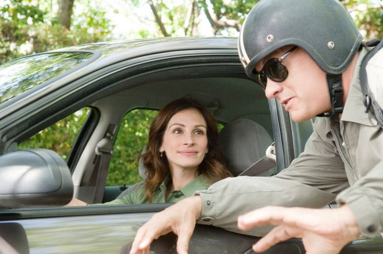 "Image: Julia Roberts, Tom Hanks in ""Larry Crowne"""