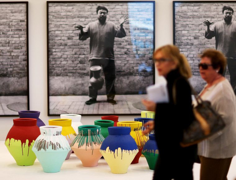 Image: Miami Artist Destroys Vase By Chinese Artist Ai Weiwei In Museum