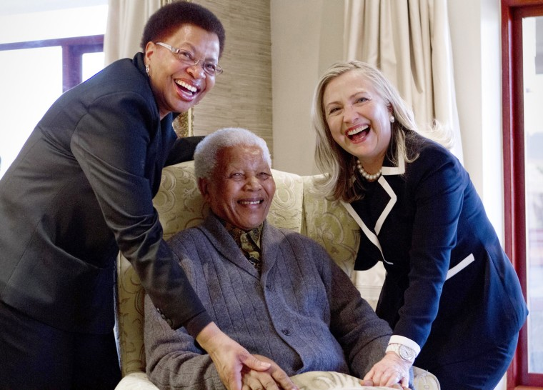 Image: Hillary Rodham Clinton visits Nelson Mandela and Graca Machel in South Africa