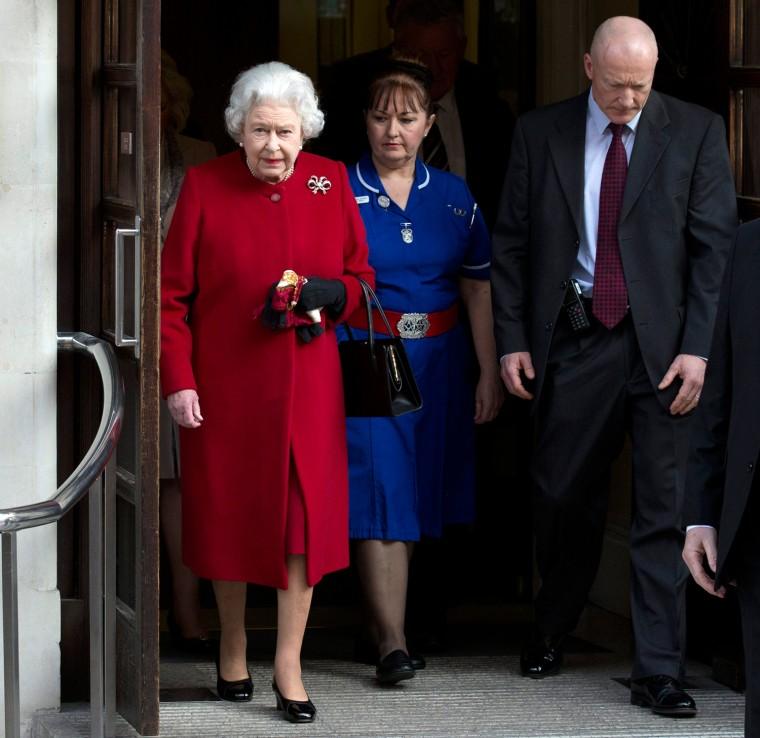 Image: Britain's Queen Elizabeth leaves King Edward VII hospital in central London