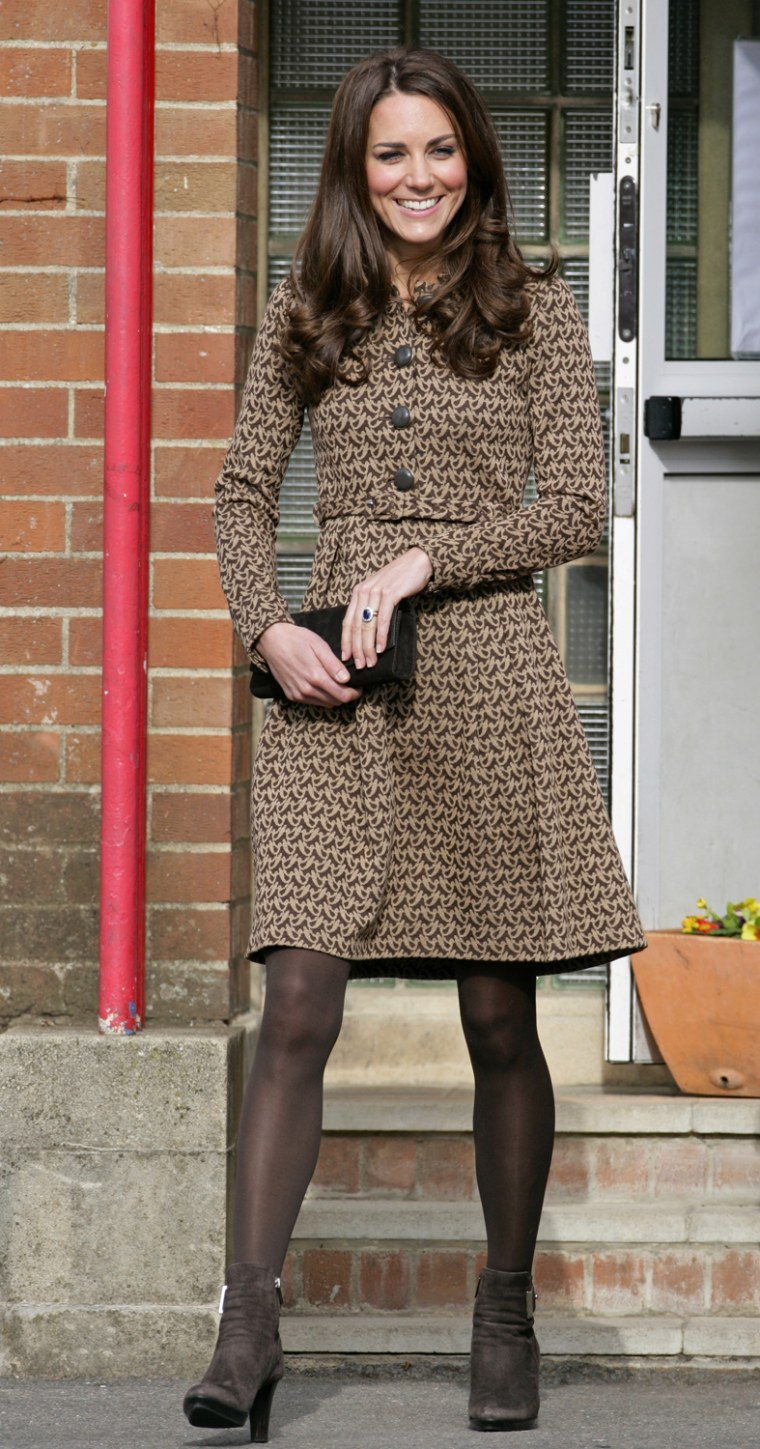 Image: Catherine, Duchess Of Cambridge Visits Schools In Oxford