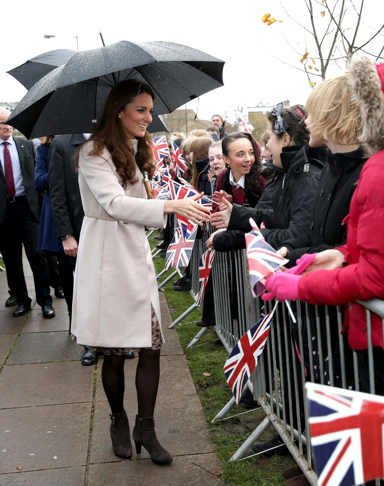Image: Britain's Catherine, Duchess of Cambridge meets members of the public during a visit to Manor School in Cambridge