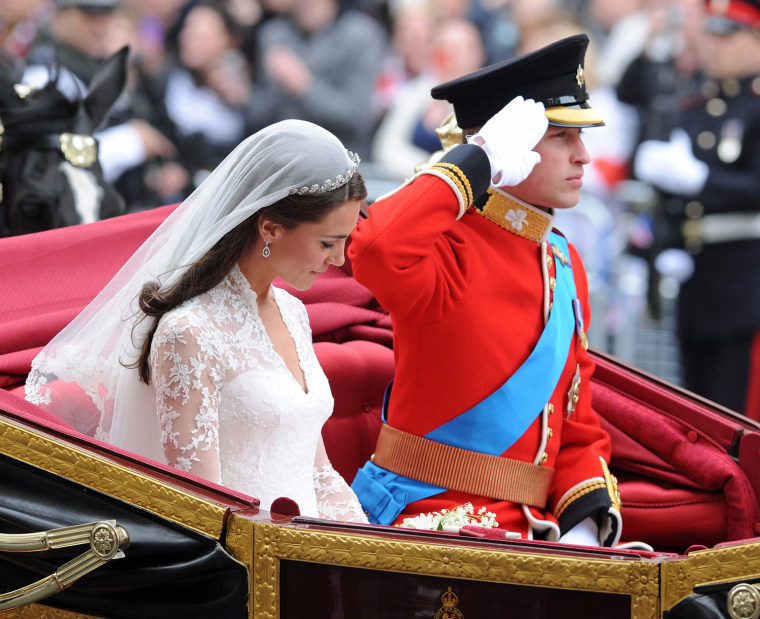 Image: Wedding of Prince William and Kate Middleton - Carriage Procession