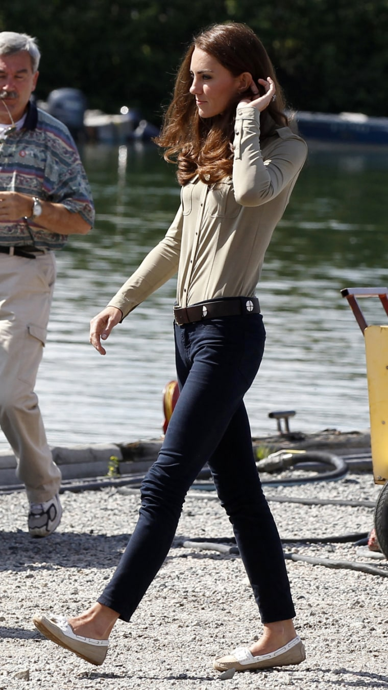 Image: Catherine, the Duchess of Cambridge, changes into pants after visiting Yellowknife