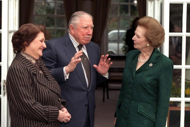 Lady Thatcher (R) visits ex-Chilian President Gene