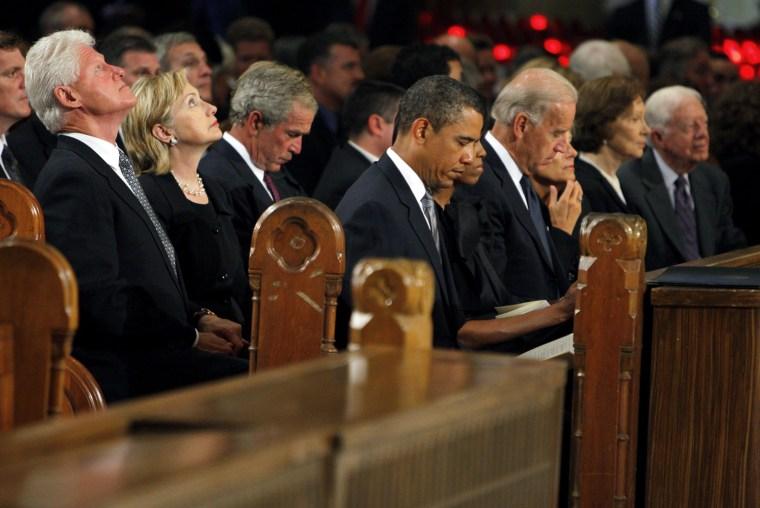 Image: Bill Clinton,  Hillary Clinton, George W. Bush,  Barack Obama,   Joe Biden, Rosalynn Carter, Jimmy Carter
