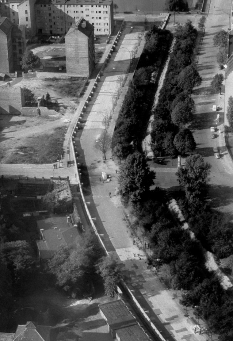 Aerial photograph of the Berlin Wall.  (
