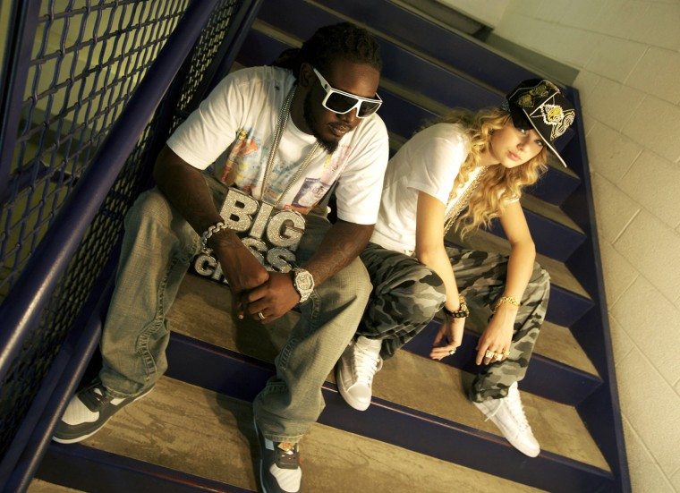 Image: Taylor Swift And T-Pain Rehearse For The 2009 CMT Music Awards
