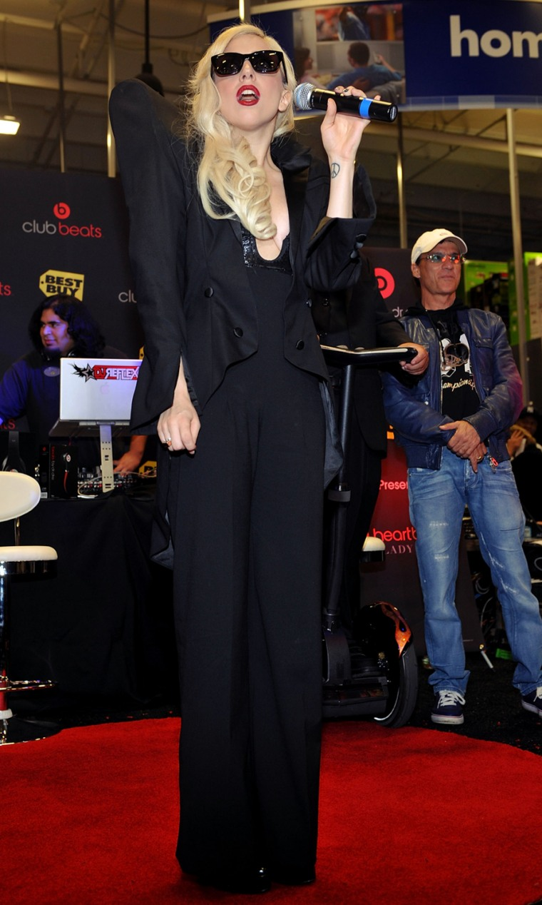 """Image: Lady Gaga CD Signing For \""""Monster\"""" At Best Buy"""