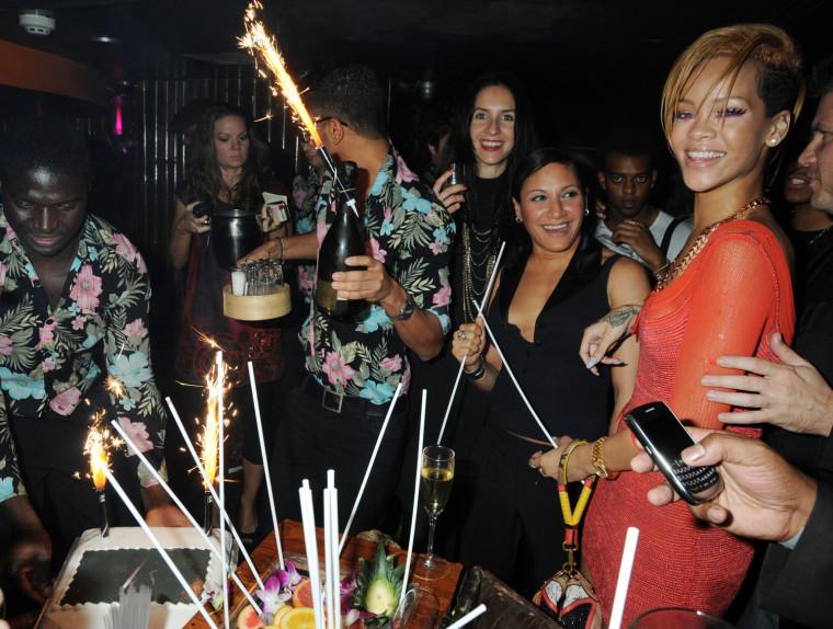 Image: Rihanna Launches Nokia X6 - Inside