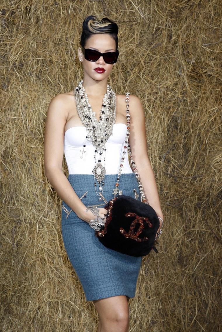 Image: Chanel - Paris Fashion Week Spring/Summer 2010