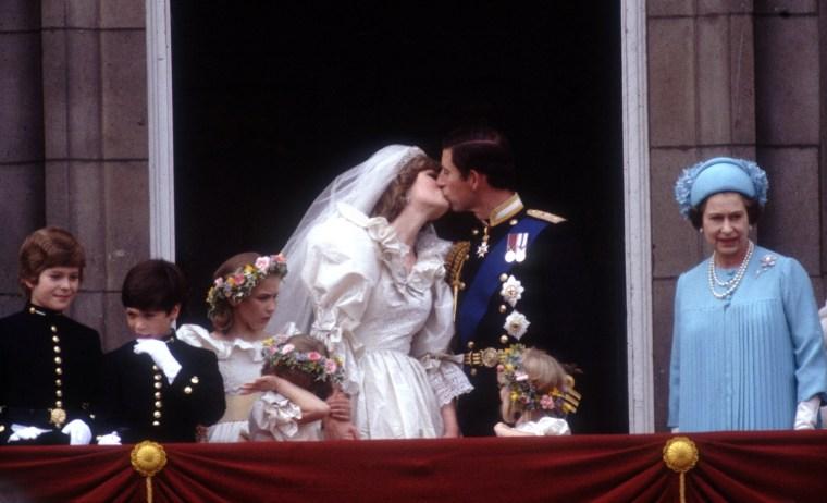 Image: Balcony Kiss