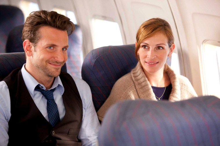 """BRADLEY COOPER as Holden Bristow and JULIA ROBERTS as Kate Greatson in New Line Cinema's romantic comedy """"Valentine's Day,"""" a Warner Bros. Pictures release. PHOTOGRAPHS TO BE USED SOLELY FOR ADVERTISING, PROMOTION, PUBLICITY OR REVIEWS OF THIS SPECIFIC MOTION PICTURE AND TO REMAIN THE PROPERTY OF THE STUDIO. NOT FOR SALE OR REDISTRIBUTION."""