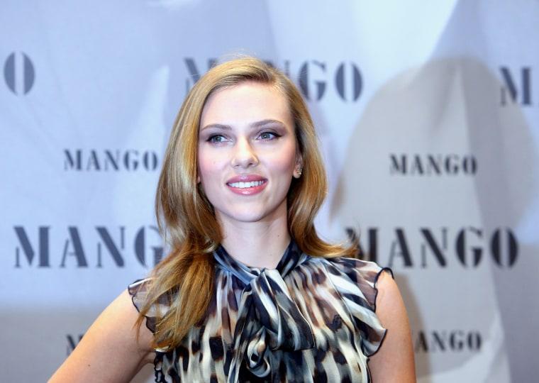 Image: Scarlett Johansson Presents MANGO Winter 2009/10 Campaign