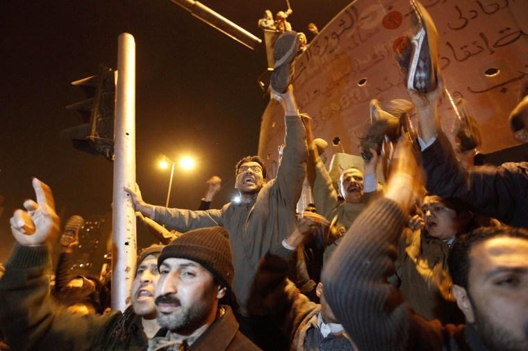 Image: Protestors demonstrate in Tahrir Square in Cairo