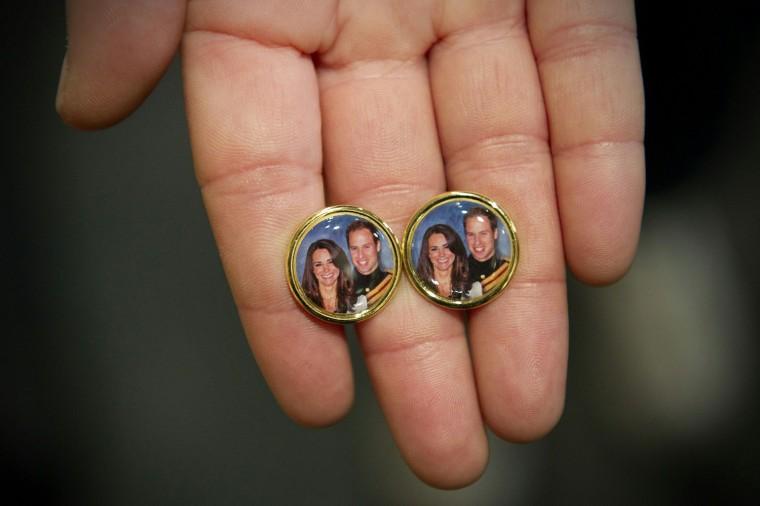 Image: Souvenir cuff links for the royal weddin