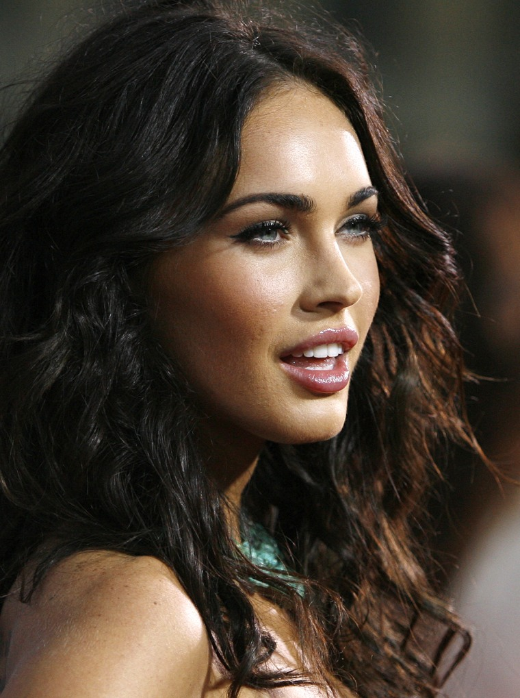 Image: Megan Fox poses at the premiere of the movie Eagle Eye at the Grauman's Chinese theatre in Hollywood