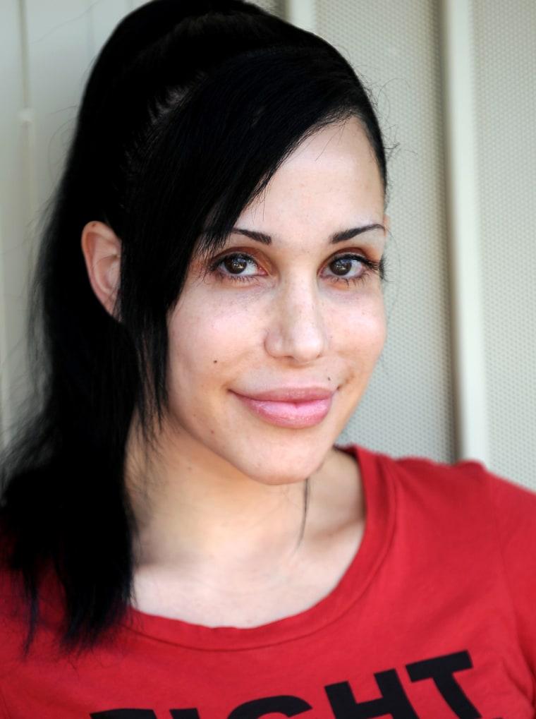 "\""Octomom\"" Nadya Suleman poses for photog"