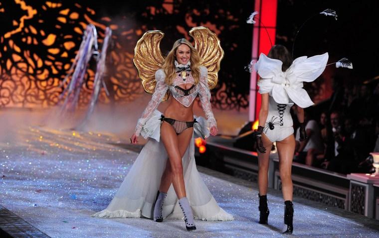 1d78670111a Image  Victoria s Secret Fashion Show 2011