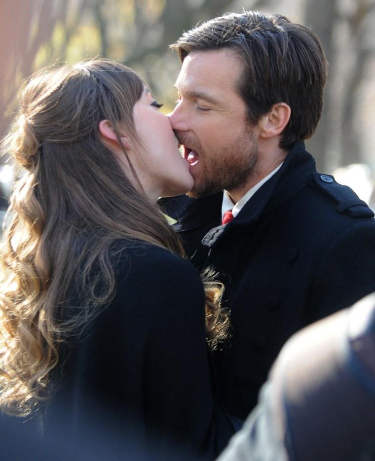 Image: Celebrity Sightings In New York City - December 1, 2011