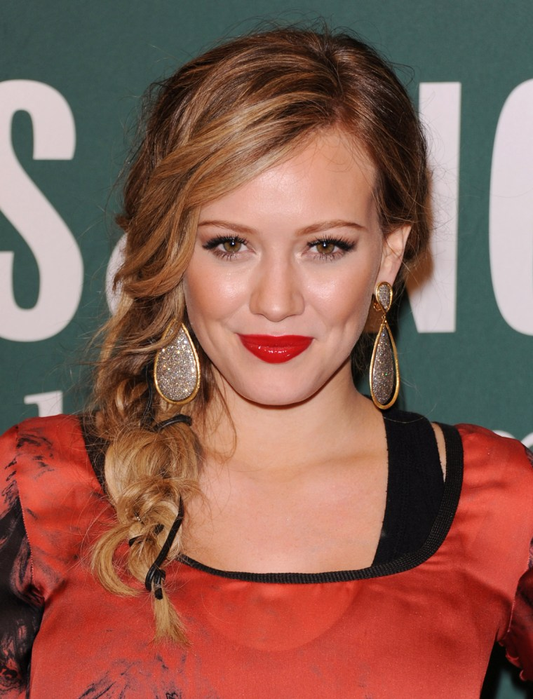 """Image: Hilary Duff Signs Copies Of Her New Book """"Devoted"""""""