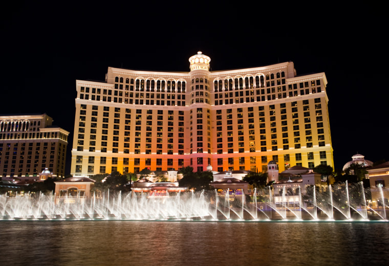 Image: Bellagio displays TODAY colors
