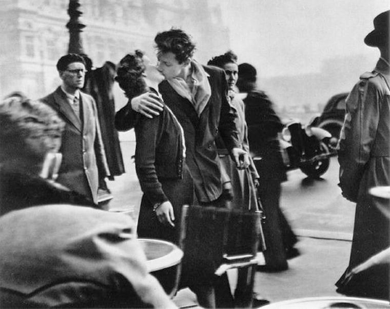 Kiss by the Hotel de Ville Robert Doisneau, 1950