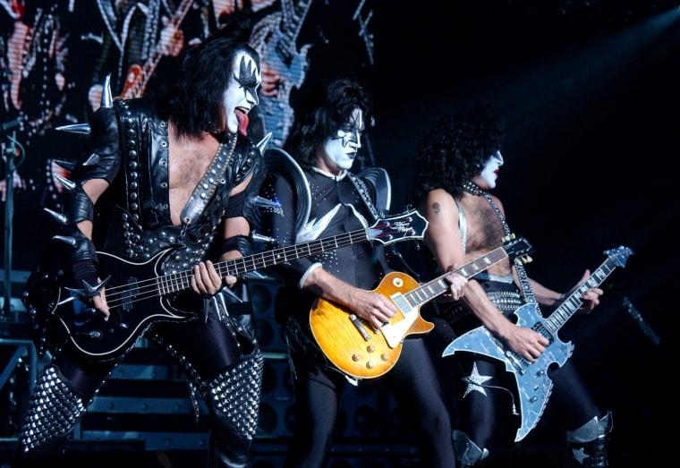 Kiss Performs on Aerosmith / KISS 2003 Tour