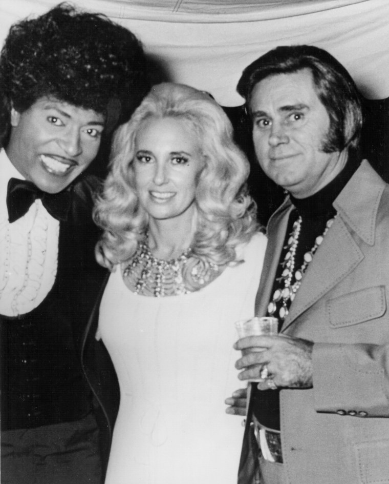 CIRCA 1972: Musician Little Richard poses with married country couple Tammy Wynette and George Jones in circa 1972. (Photo by Michael Ochs Archives/Getty Images)   Date created:  01 Jan 1972