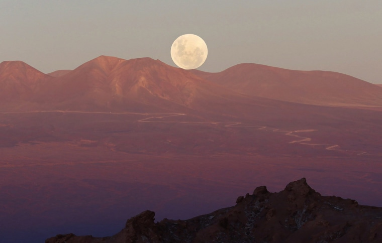 Image: THE MOON FROM CHILEAN DESERT